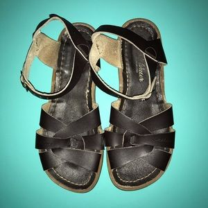 Salt Water Sandals Brown Youth Size 4